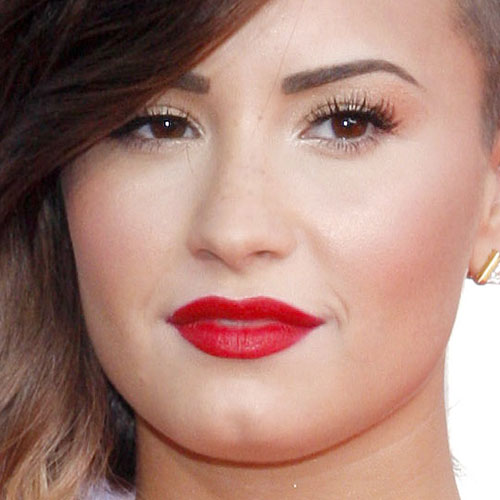 Demi Lovato Makeup : Steal Her Style