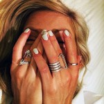 ellie-goulding-nails-white-2