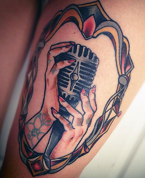 jacqui-sandell-tattoo-mic-hands