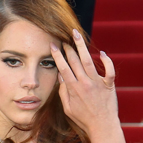 Lana Del Rey's Nail Polish & Nail Art | Steal Her Style Almond Nails Tumblr
