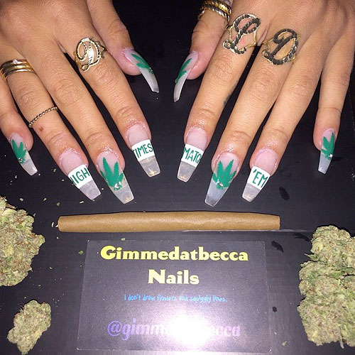 7 Celebrity Nail Art Photos With Marijuana Leaf Steal Her Style