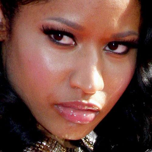 Nicki Minaj Makeup Black Eyeshadow Amp Pink Lip Gloss