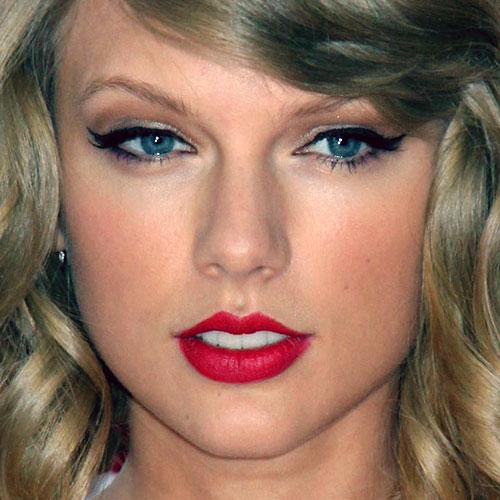 taylor swift makeup black eyeshadow bronze eyeshadow