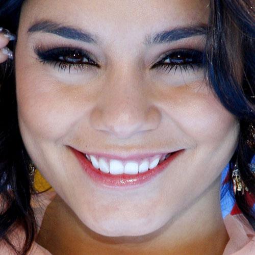 Vanessa Hudgens Makeup Black Eyeshadow Mauve Eyeshadow