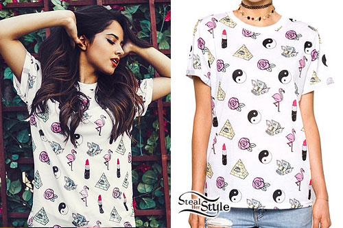 Becky G: Flamingo & Lipstick Print T-Shirt