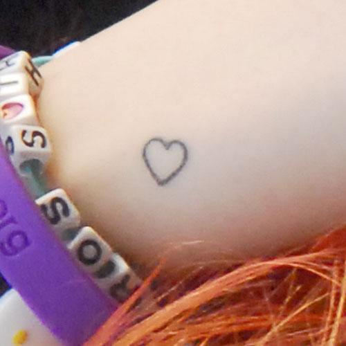 hayley-williams-heart-wrist-tattoo