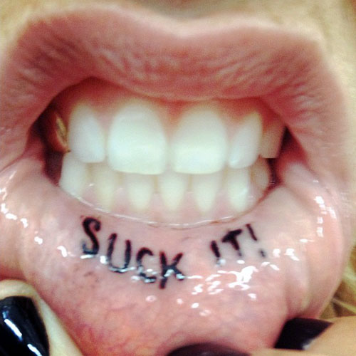 kesha-tattoo-suck-it-lip