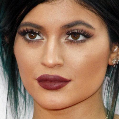 Kylie Jenner Lipstick kylie-jenner-makeup-16