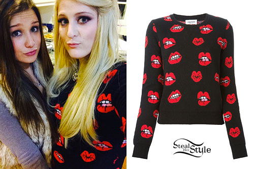 Meghan Trainor: Lips Print Sweater