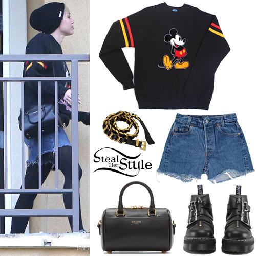 Miley Cyrus leaving Patrick Schwarzenegger's apartment in Los Angeles. October 31th, 2014 - photo: mileyhq