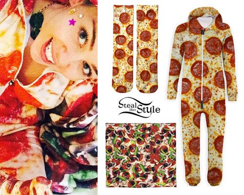 Miley Cyrus: Pizza Onesie & Socks