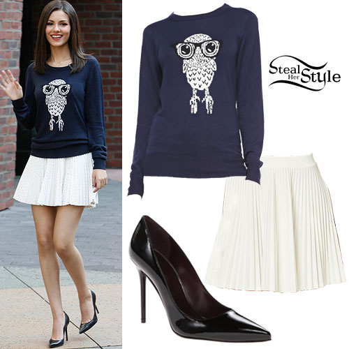 Victoria Justice: Owl Sweater, Pleated Skirt