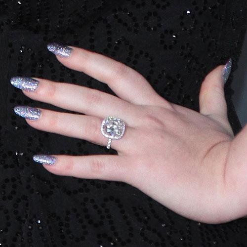 Adele-nails-purple-glitter