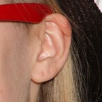 avril-lavgine-ear-piercings