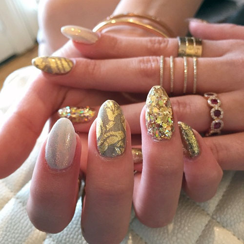 Bella Thorne Nails | Steal Her Style