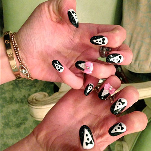 14 Celebrity Nail Art Photos with Diagonal Tips | Steal ...