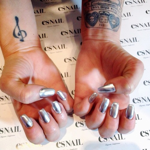 Chanel-west-coast-nails-5