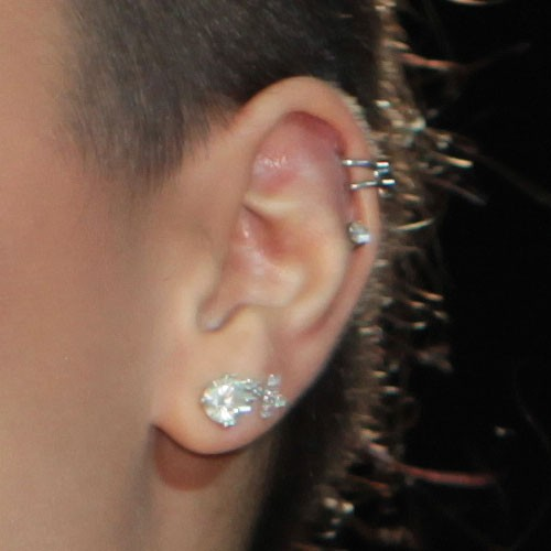 Demi Lovato S Piercings Amp Jewelry Steal Her Style