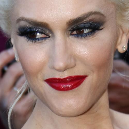 Gwen Stefani Makeup Blue Eyeshadow Charcoal Eyeshadow