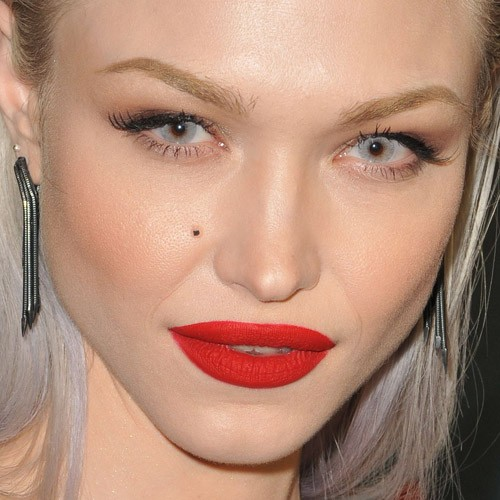 Ivy Levan S Makeup Photos Amp Products Steal Her Style