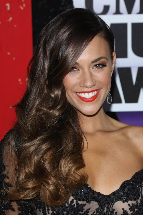 Jana Kramer S Hairstyles Amp Hair Colors Steal Her Style
