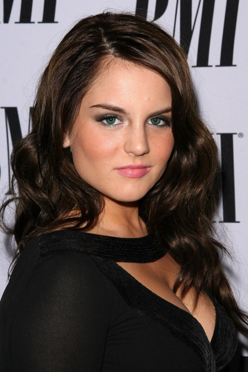 JoJo Levesque's Hairstyles & Hair Colors | Steal Her Style ...