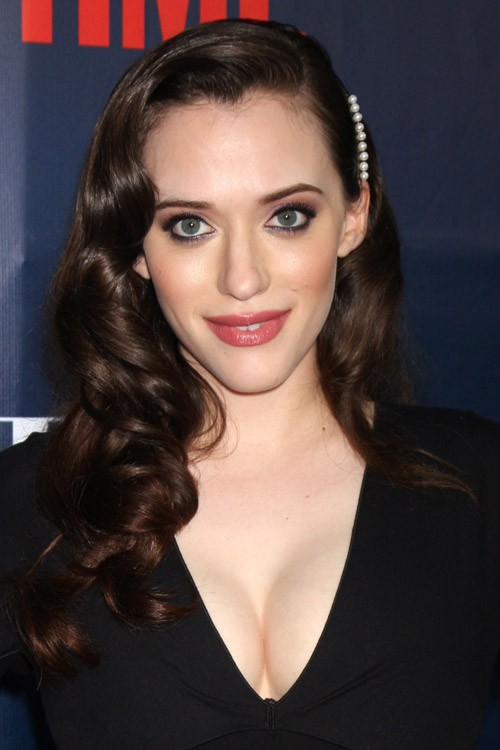 Kat Dennings Hairstyles Amp Hair Colors Steal Her Style