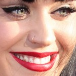 katy-perry-nose-piercing