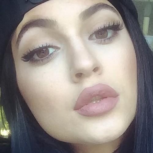 kylie-jenner-makeup-27