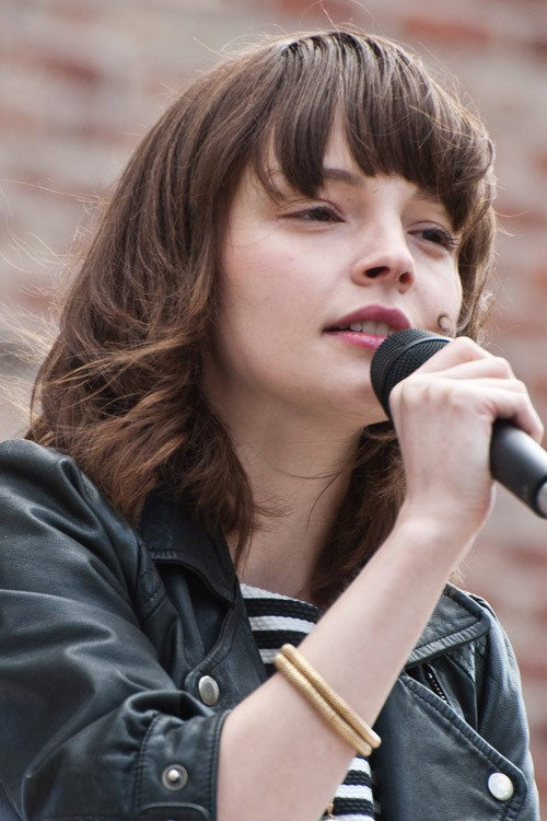 Lauren Mayberry Straight Medium Brown Bob Curved Bangs