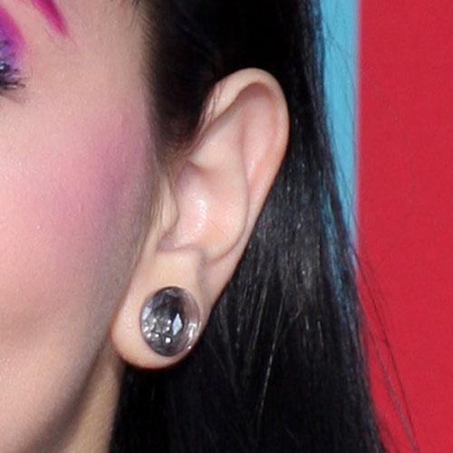 Melanie Martinez S Piercings Jewelry Steal Her Style