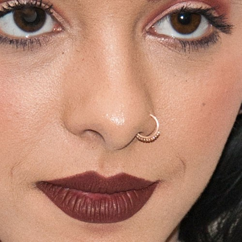 66 Celebrity Nose Nostril Piercings Page 4 Of 7 Steal Her