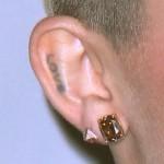 miley-cyrus-ear-piercings-3