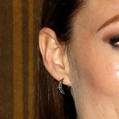 olivia wilde ear lobe piercing steal her style