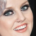 perrie-edwards-nose-piercing