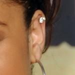 raven-symone-helix-piercing