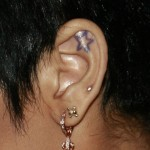rihanna-auricle-ear-piercing