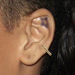 rihanna-ear-piercing-auricle