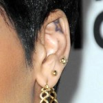 rihanna-ear-piercings