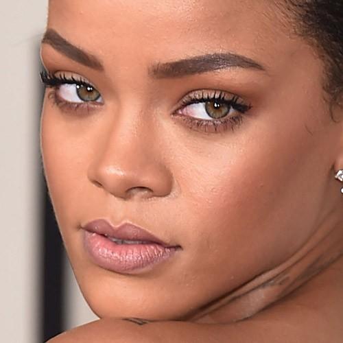 Rihanna Makeup - Mugee... Rihanna Makeup