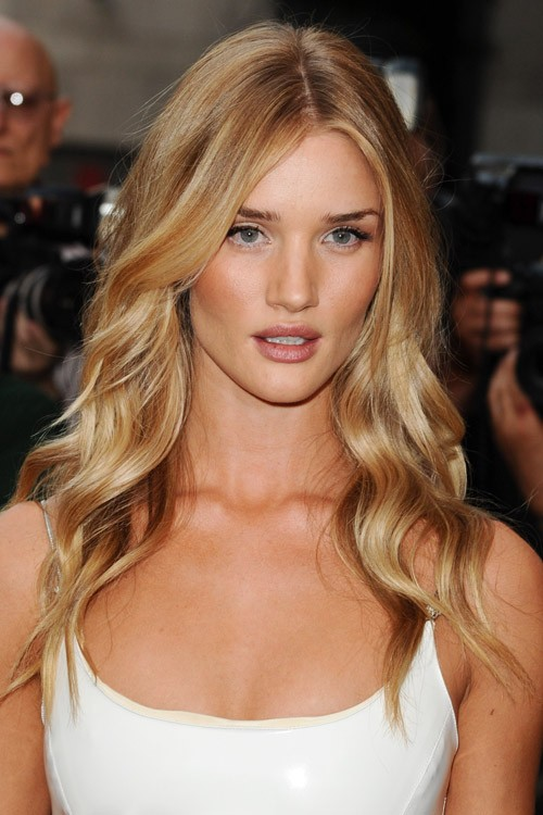 Rosie Huntington-Whiteley Clothes & Outfits | Steal Her Style Rosie Huntington Whiteley