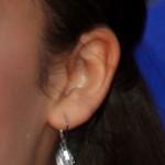 zendaya-ear-piercing