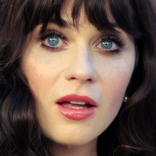 Zooey Deschanel S Makeup Photos Amp Products Steal Her Style