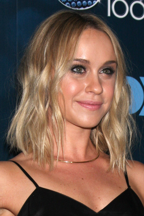 Becca Tobin Wavy Golden Blonde Bob Hairstyle Steal Her Style