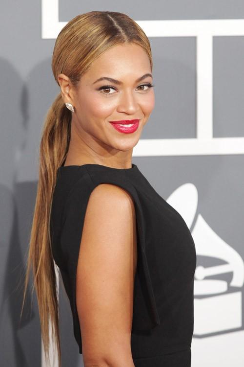 Beyonce short blonde hair