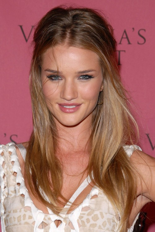 Rosie Huntington Whiteley S Hairstyles Amp Hair Colors