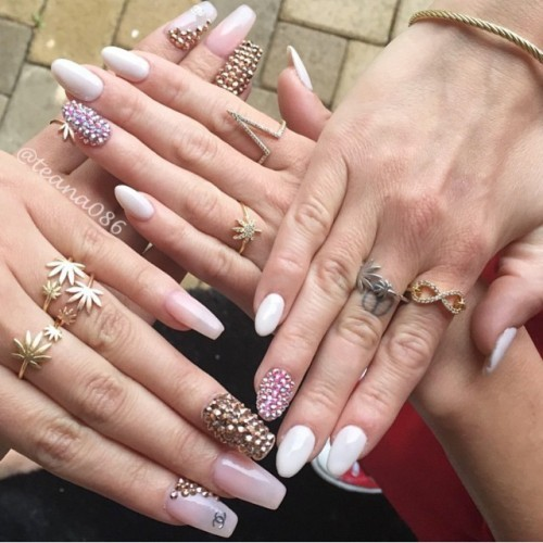 Chanel west coast 39 s nail polish nail art steal her style for 3d nail salon midvale utah
