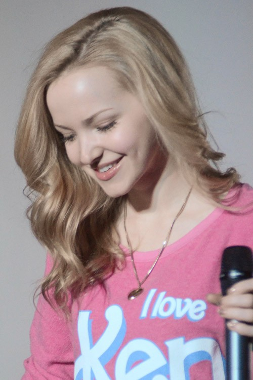 Dove Cameron Wavy Ash Blonde Side Part Hairstyle Steal