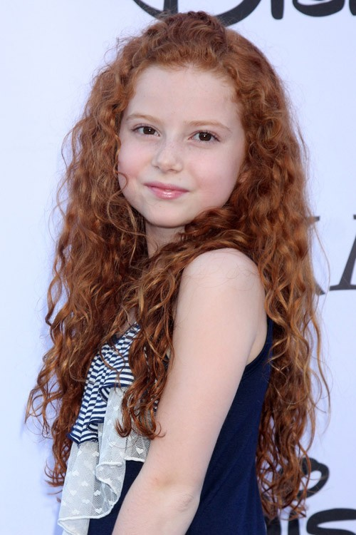 Francesca Capaldi S Hairstyles Amp Hair Colors Steal Her Style
