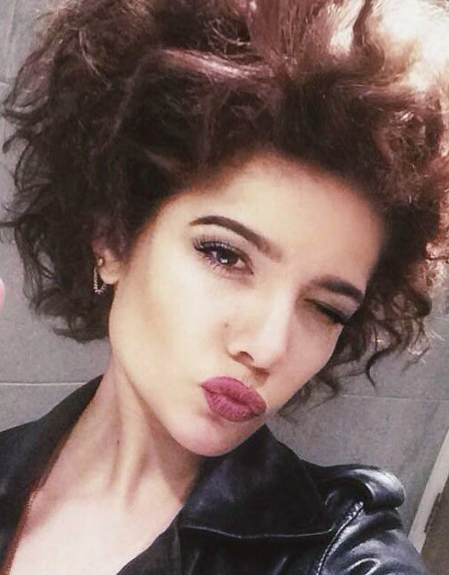 Halsey Teased Medium Brown Afro Hairstyle Steal Her Style